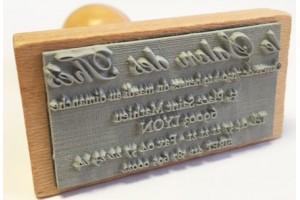 Tampons commerciaux en bois